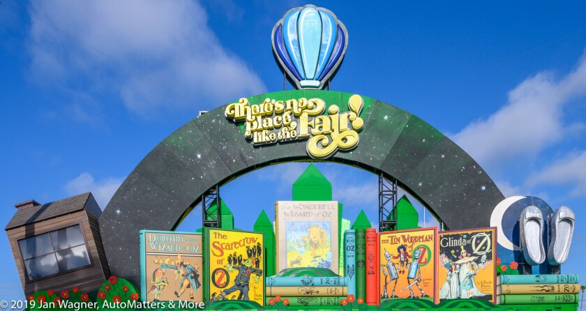 Oz-themed sign at the main gate