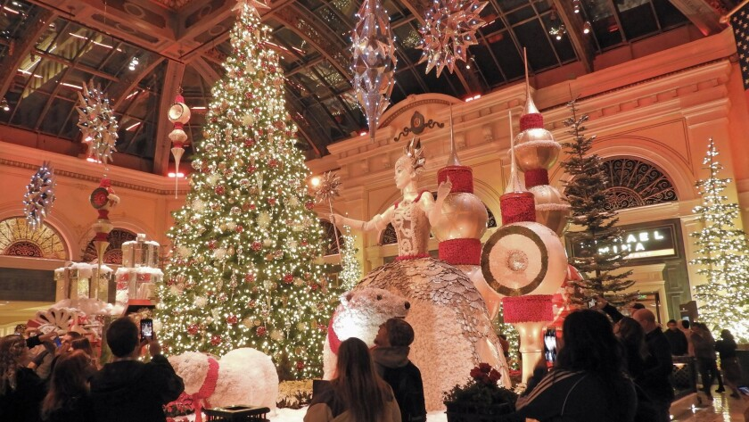 Las Vegas Christmas.See How Bellagio Las Vegas Creates A Holiday Masterpiece In
