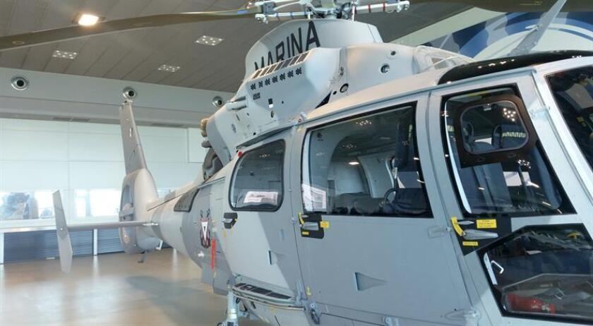 Fotografía facilitada por la Embajada de México en Francia, de uno de los helicópteros tipo Panther AS-565 MBe de un lote de diez, entregado hoy a la Secretaría de Marina-Armada de México. EFE
