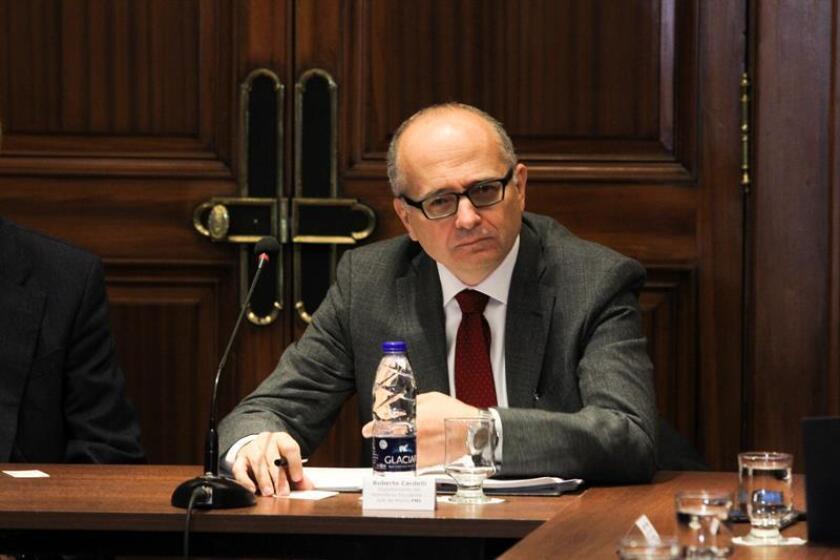 El jefe de la misión en Argentina del Fondo Monetario Internacional (FMI), Roberto Cardarelli, se reúne con representantes de la Confederación Argentina de la Mediana Empresa (Came) en Buenos Aires (Argentina). EFE/Archivo