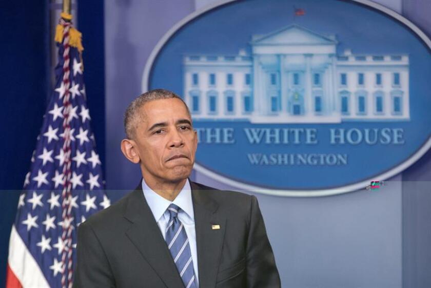 El presidente de EE.UU., Barack Obama, anunció hoy la prohibición de las prospecciones en aguas del Ártico y el Atlántico bajo jurisdicción de su país, pese a que su sucesor, el republicano Donald Trump, ha prometido producir más energía. EFE/Archivo