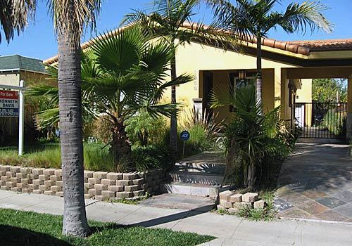 Foreclosed properties, from Burbank to the Miracle Mile