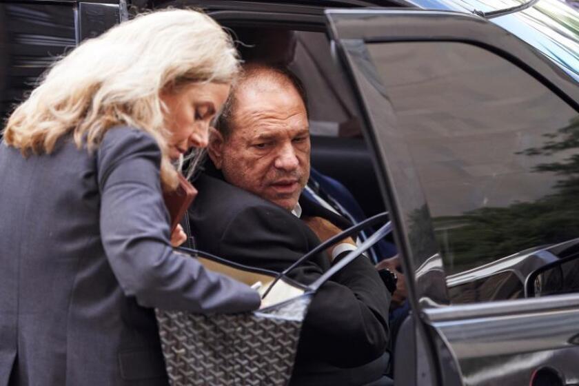 Fiscalía de Nueva York retira dos de los siete cargos contra Weinstein