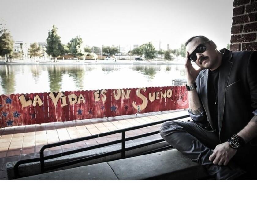 El cantante mexicoamericano Pepe Aguilar ha tomado nuevos riesgos en su nueva producción, que será presentada pronto en vivo en el Sur de California.