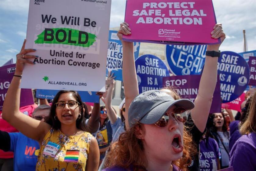 El Supremo evita opinar sobre aborto al referirse a ley que lo prohíbe