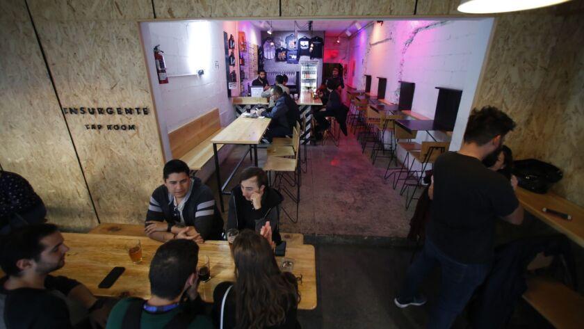 Insurgente Tap Room located in Plaza del Zapato in Zona Rio.