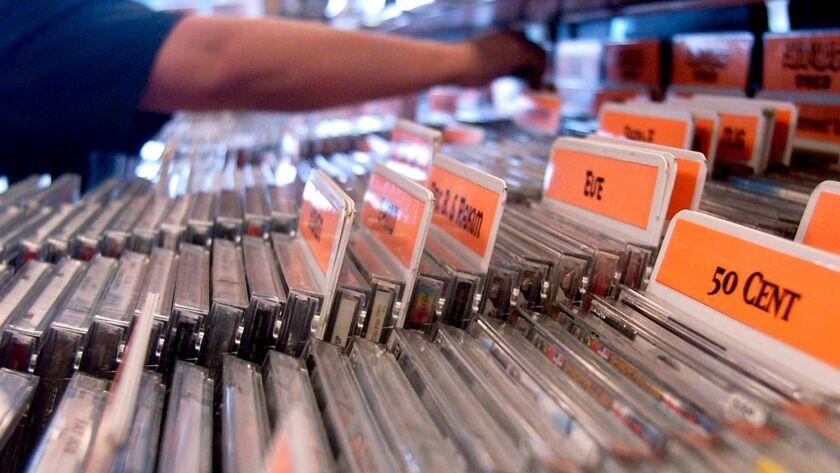 UNIVERSAL CDS