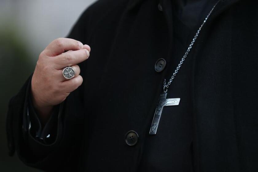 La Diócesis de Brooklyn de la iglesia Católica acordó pagar un total de 27,5 millones de dólares a cuatro jóvenes que alegan fueron abusados por un hombre que les enseñaba catecismo, lo que ocurrió entre el 2003 y el 2009. EFE/ARCHIVO