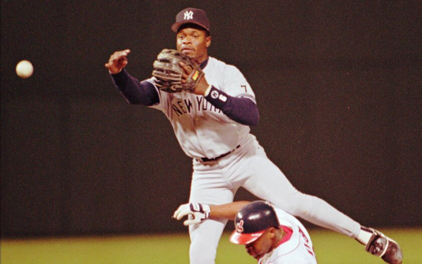 Tony Fernandez, star shortstop who helped Blue Jays win World Series, dies at 57