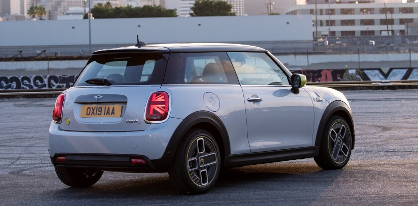 Mini Cooper San Diego >> Battery Electric Mini Cooper Se To Start At 30 750 The