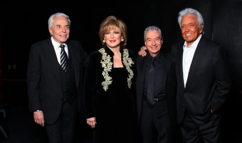 Alberto Vázquez, César Costa, Angélica María y Enrique Guzmán, juntos otra vez.