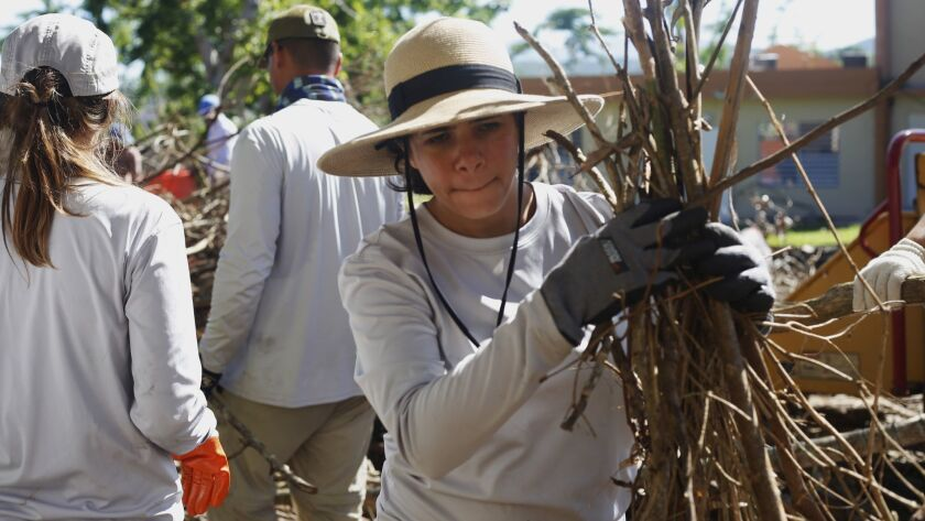 11/28/2017 Trujillo Alto (Puerto Rico): El equipo de Para la Naturaleza, continúa su compromiso con