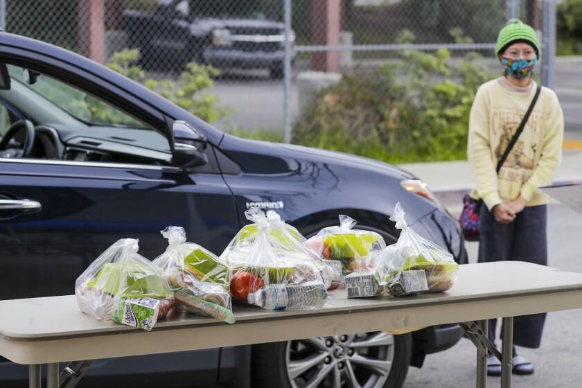 LAUSD food distribution