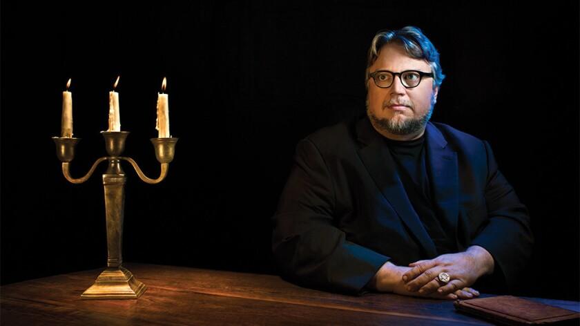 Guillermo del Toro es una de las estrellas afectadas con los incendios registrados en California.