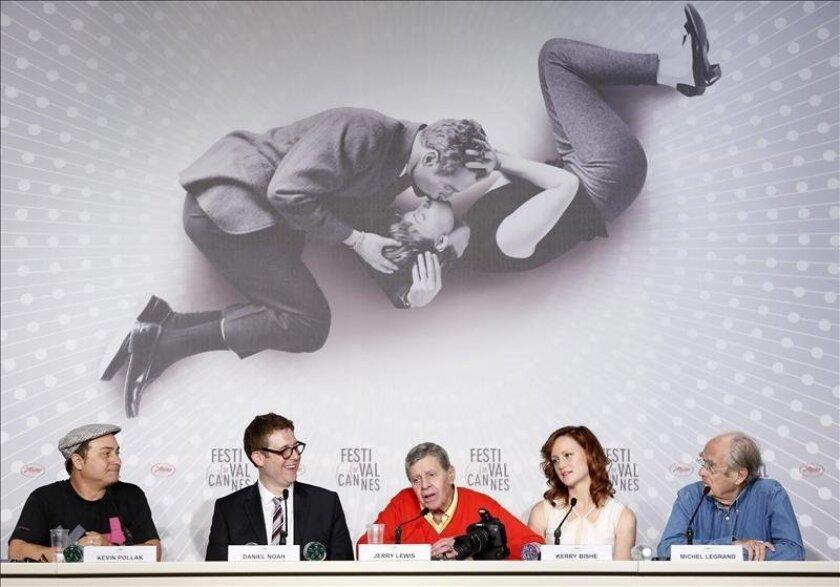 """El actor estadounidense Jerry Lewis participa en la rueda de prensa de presentación de la película """"Max Rose"""" en la 66 edición del Festival de Cine de Cannes en Francia hoy, jueves 23 de mayo de 2013. EFE"""