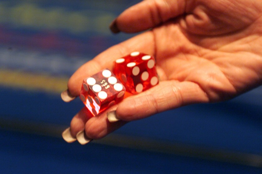 A study highlights how the brain switches from strategic to random mode, like rolling dice.