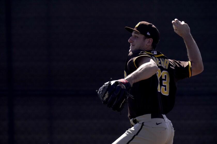 Padres pitcher Reiss Knehr