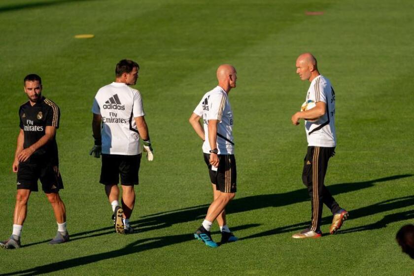 Zidane llega a Houston listo para presentar en sociedad al nuevo Real Madrid