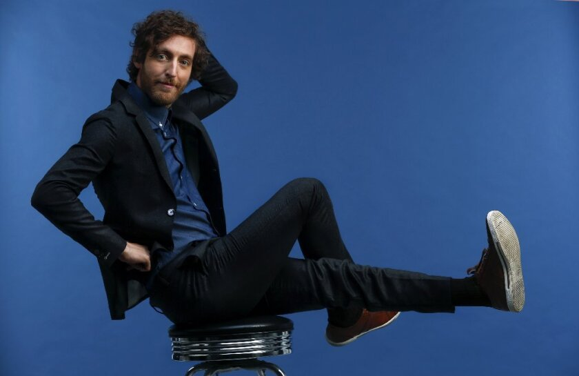 """Thomas Middleditch loves when he gets to do physical comedy on """"Silicon Valley."""""""