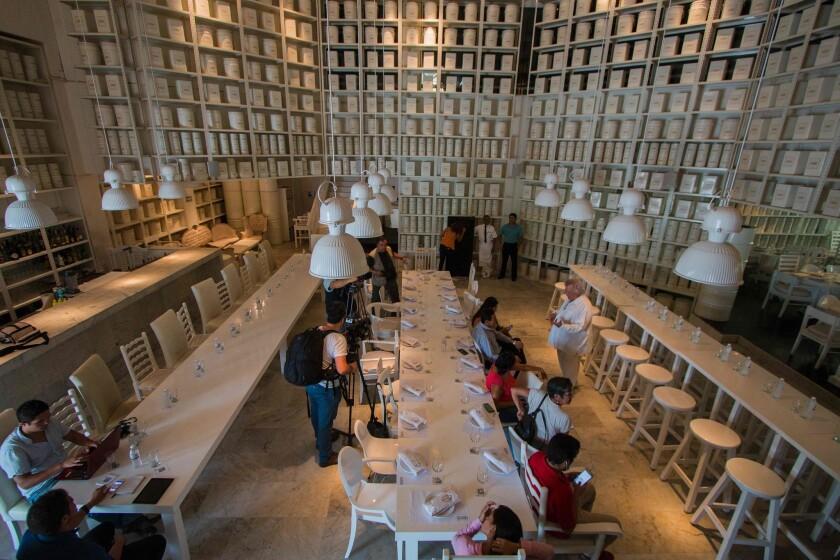 Periodistas en el restaurante La Leche el 18 de agosto de 2016 en Puerto Vallarta.