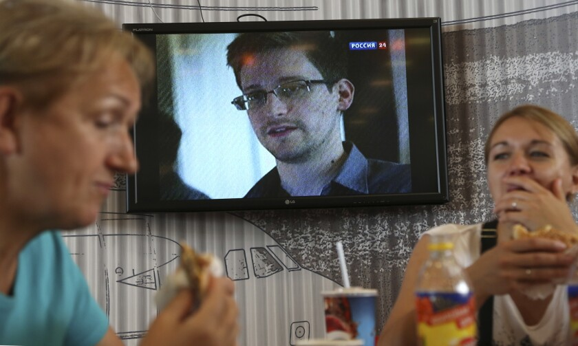 Russian lawmakers suggest U.S. is violating Snowden's human rights