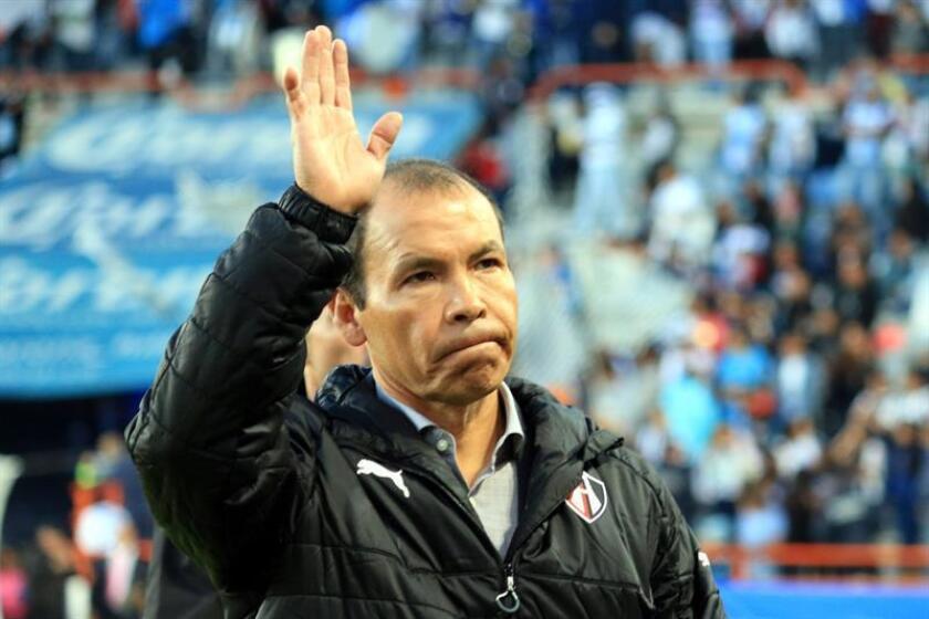 Los Rojinegros del Atlas del fútbol mexicano despidieron hoy al entrenador José Guadalupe Cruz ante el mal arranque del equipo en el torneo Clausura 2018 en el que perdió sus dos primeros partidos. EFE/ARCHIVO