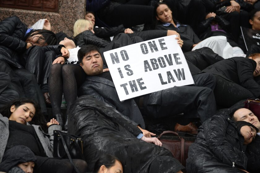 Lawyers stage 'die-in' in Los Angeles