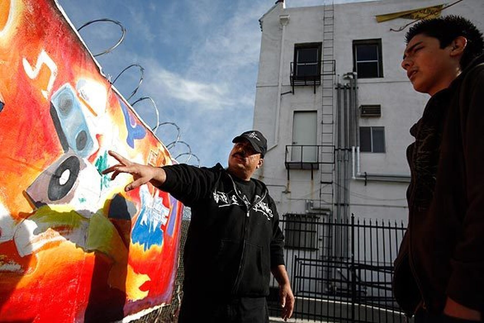 Former tagger now teaches art - Los Angeles Times