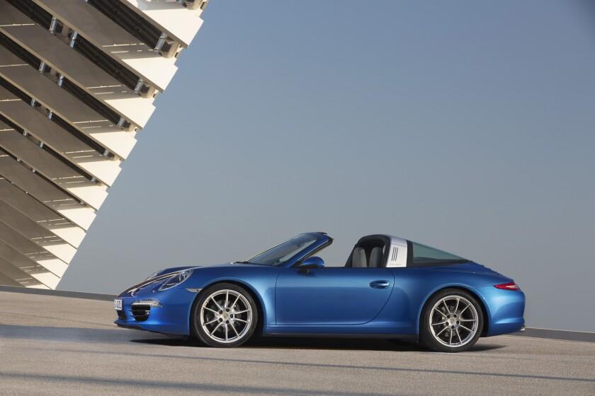 Detroit Auto Show: Porsche's new 911 Targa has throwback styling