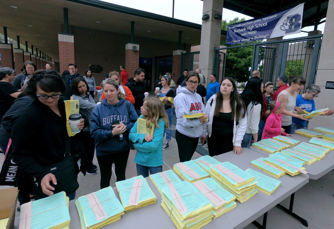 Photo Gallery: Burbank Unified rallies to inform public about budget cuts
