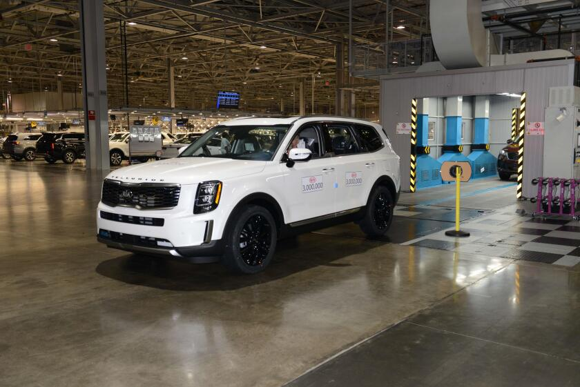 15441_KMMG_s_three_millionth_vehicle_rolls_off_the_assembly_line (1).jpg