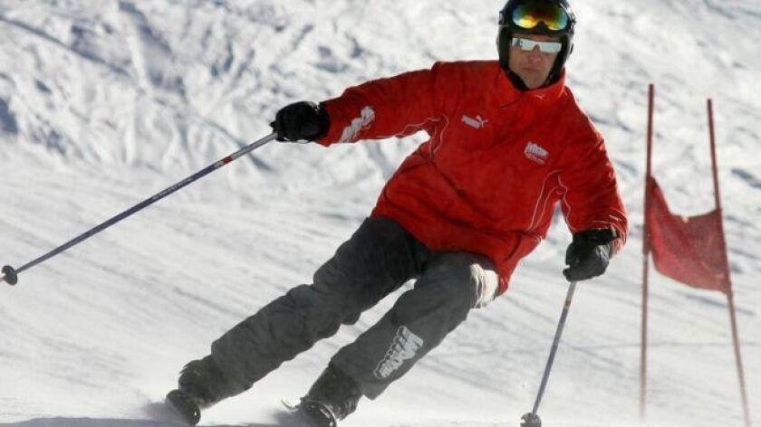 Michael Schumacher sufrió una lesión cerebral tras sufrir una caída esquiando en 2013.