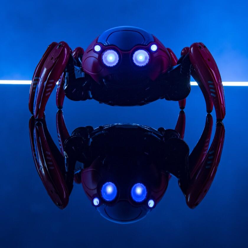 En WEB Suppliers te espera Spider-Bots un robot a control remoto que puedes cambiar su apariencia.