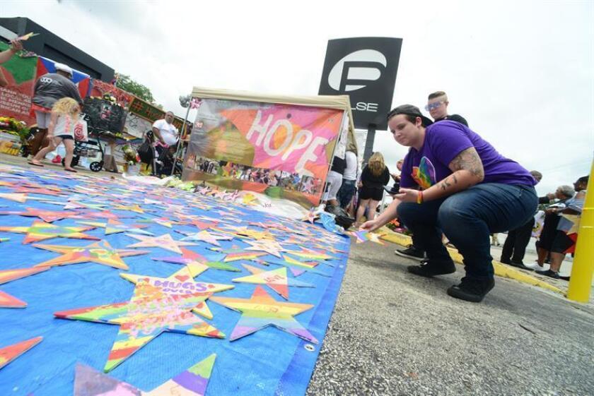 La ciudad de Orlando conmemora hoy el segundo aniversario de la muerte de 49 personas en una masacre terrorista en la discoteca gay Pulse con una mezcla de arte, música y plegarias y en un ambiente enrarecido por varios litigios judiciales. EFE/Archivo