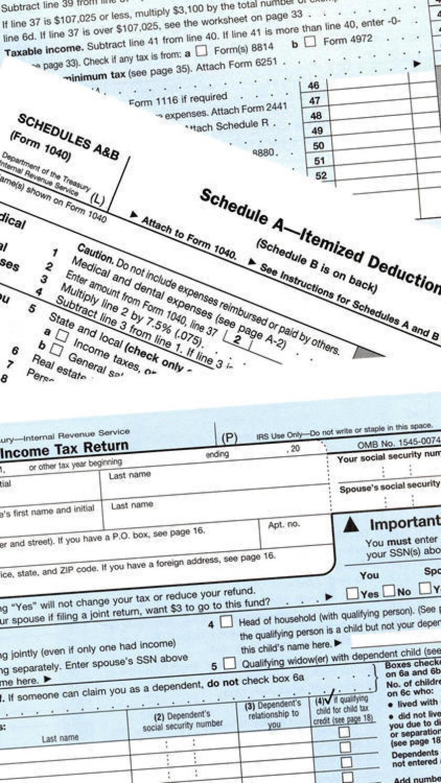 """""""Los demandados falsamente declararon obligaciones tributarias inferiores de sus clientes y exageraron el derecho de sus clientes a reembolsos tributarios"""", precisó la agencia federal."""
