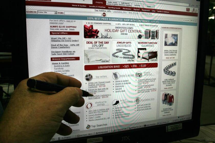 Los consumidores gastaron 108.200 millones de dólares en sus compras por internet durante la última temporada navideña, un 14,7 % más que el año anterior, según datos recopilados por la firma Adobe. EFE/Archivo