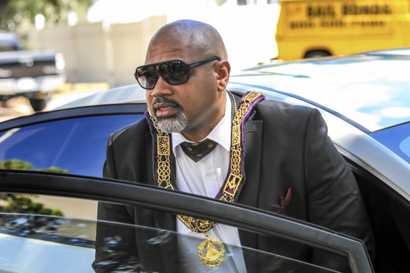 David Inkk Henry, 47, alleged grandmaster of the bogus Masonic Fraternal Police Department, died Monday after appearing in a San Fernando courtroom. A judge dismissed charges against another man.