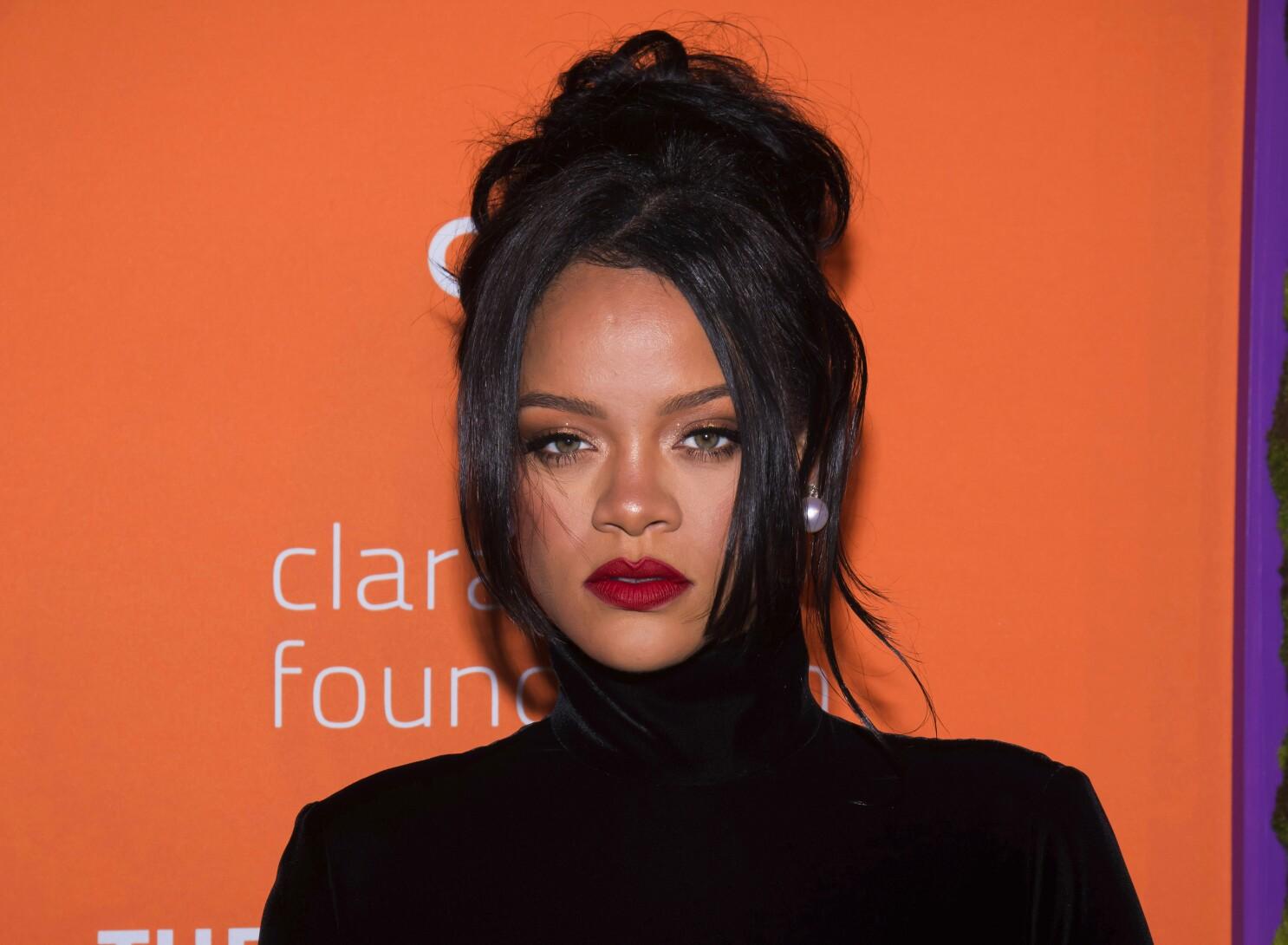 Rihanna - MENDO   1090x1486