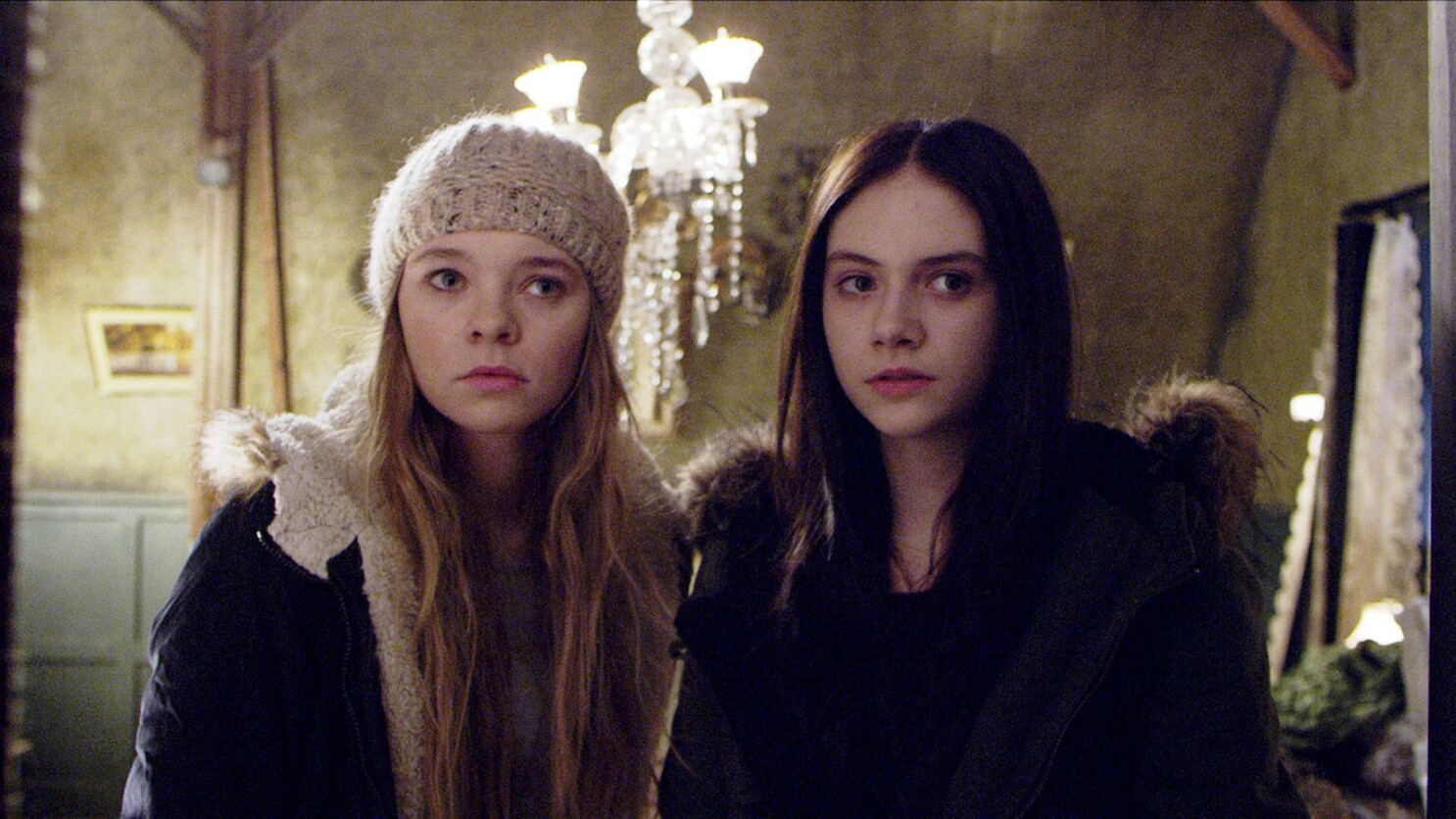 Review: Hardcore horror 'Incident in a Ghostland' tainted by hate - Los  Angeles Times