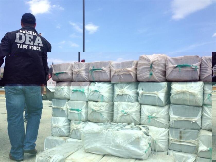 La división de Fuerzas Unidas de Rápida Acción (FURA) de la unidad Marítima de Ceiba se incautó anoche de 44 bloques de cocaína en a media milla del noreste de Palominos en la Cobra 35. EFE/ARCHIVO