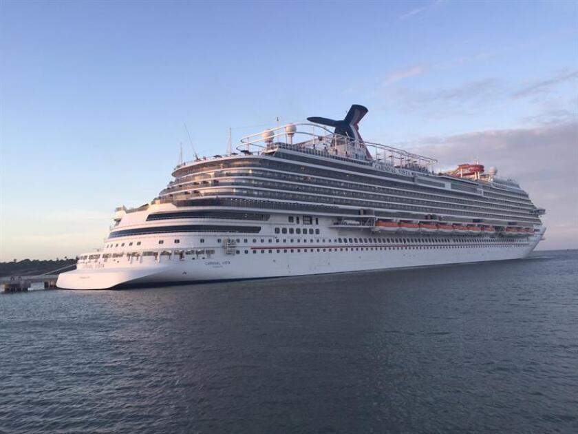 Una pareja de Florida denunció que halló una cámara de video escondida en su camarote durante un crucero de Carnival con destino a México y que desconoce si fueron grabados, informó hoy el diario Miami Herald. EFE/ARCHIVO