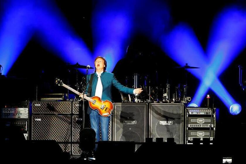 """Y """"Egypt Station"""" resultó estar en Grand Central Terminal, la estación ferroviaria de Manhattan, el lugar escogido finalmente por el legendario Paul McCartney para presentar en un concierto sorpresa entre 'commuters' su último álbum, 15 canciones que dan muestra de la madurez del ex-Beatle. EFE/ARCHIVO"""