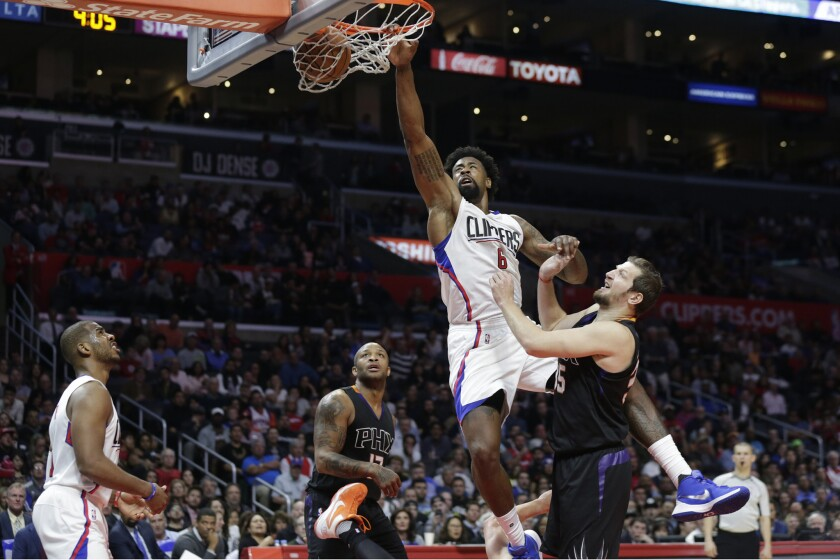 Suns put up little resistance, Clippers win by 40