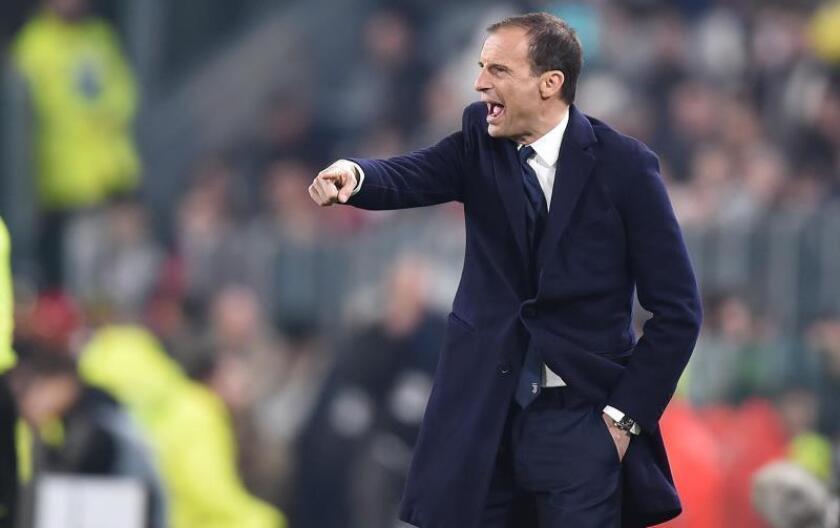 El entrenador de la Juventus Massimiliano Allegri durante el partido de hoy viernes en el Allianz Stadium de Turin contra el Udinese. EFE/Alessandro Di Marco.