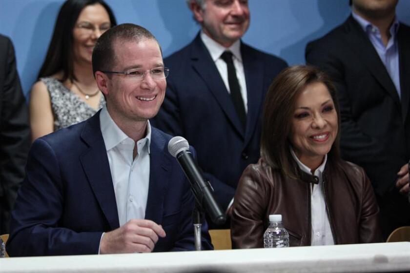 Ricardo Anaya (i), presidente del partido Acción Nacional (PAN). EFE/Archivo