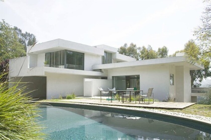 <b>ARCHITECTURAL GIVING:</b> This Rudolf Schindler designed house atop Laurel Canyon has been donated to the MAK Center in 2008.