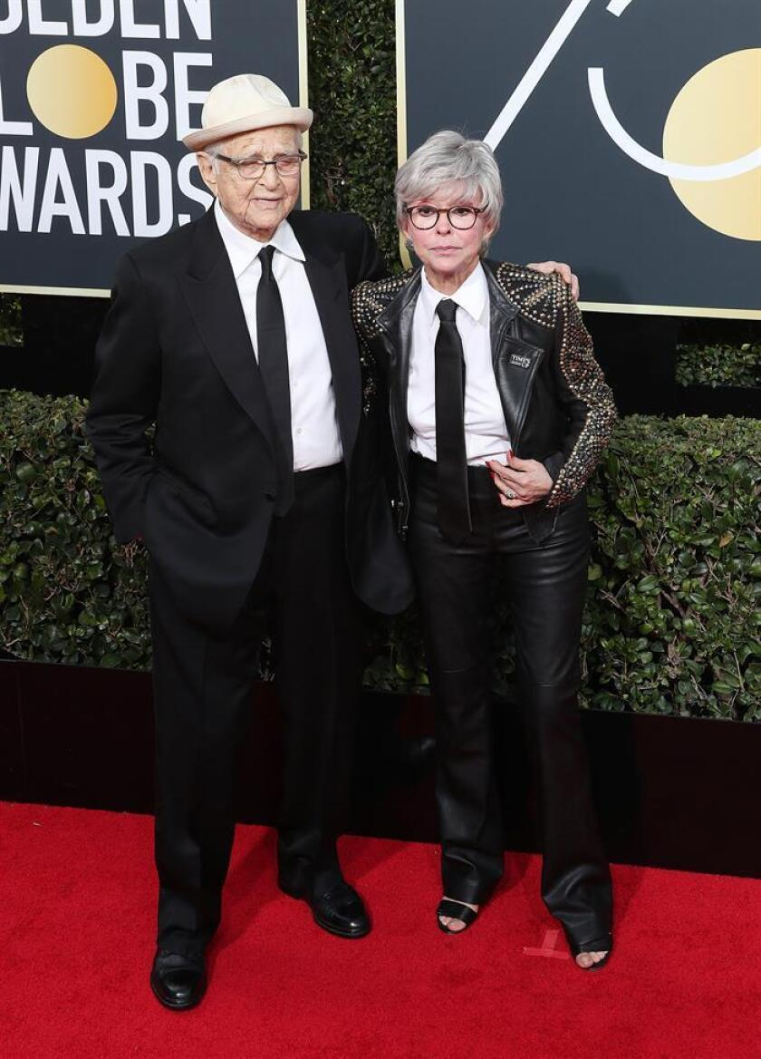 Norman Lear (L) and Rita Moreno arrive for the 75th annual Golden Globe Awards ceremony at the Beverly Hilton Hotel in Beverly Hills, California. EFE