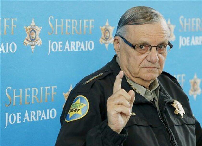 El jefe de policía Joe Arpaio enfrenta a tres adversarios republicanos en las primarias del martes, en las que se han convertido en las elecciones más difíciles en sus 23 años como máximo agente del orden en el área metropolitana de Phoenix.