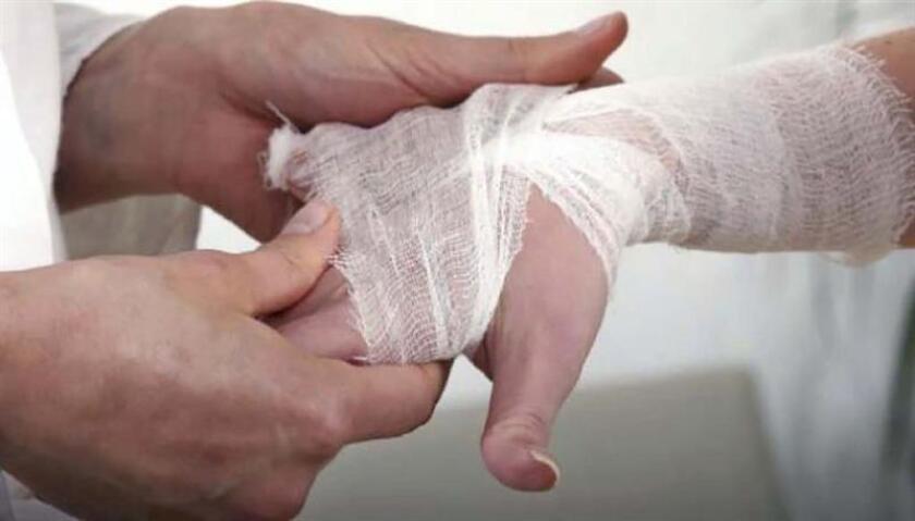 Comer mucha carne, tener caries o tronarse los dedos son mitos de la artritis