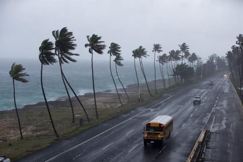 Vista de la autopista Las Américas ante la llegada de un ciclón en Santo Domingo (República Dominicana). EFE/Orlando Barría/Archivo